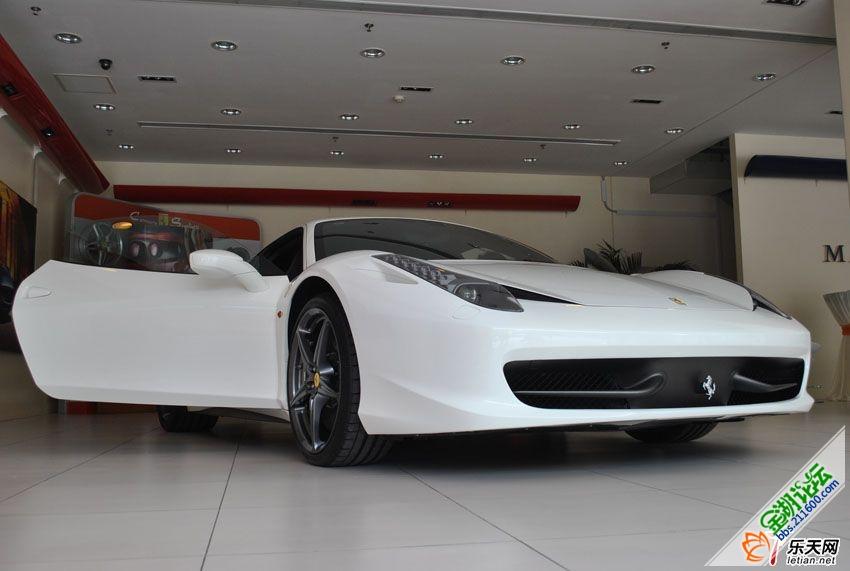 法拉利458 白色高清图片
